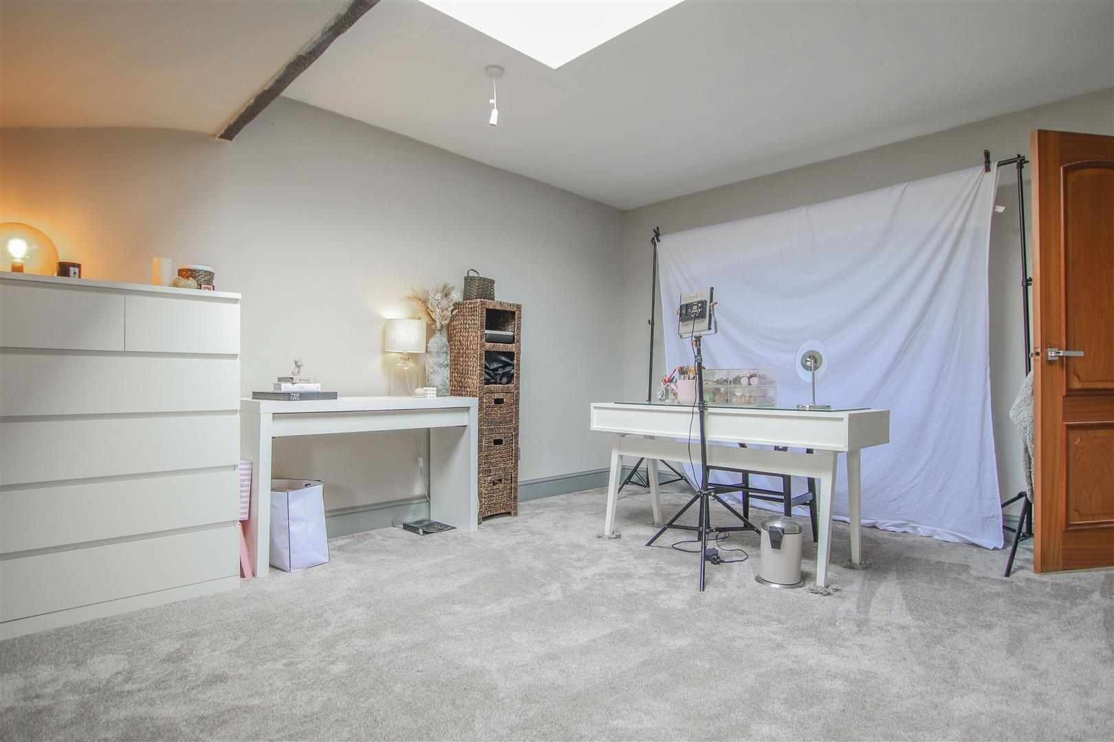 6 Bedroom Barn Conversion For Sale - 48.JPG